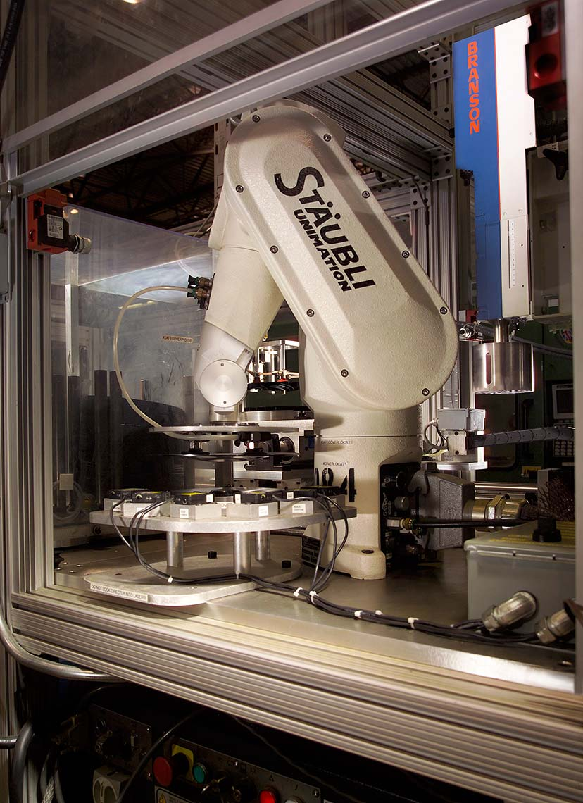5-Staubli_Equipment_robot